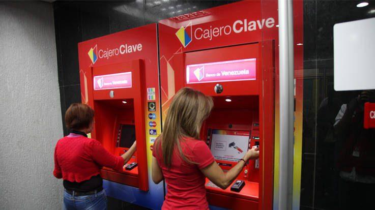 Venezuela buscará controlar a sus ciudadanos en el extranjero a través de presiones y limitaciones de los servicios bancarios.