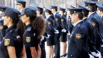 El Ministerio de Interior se ha equivocado en los plazos de la licitación para la adquisición de los nuevos uniformes para el CNP.