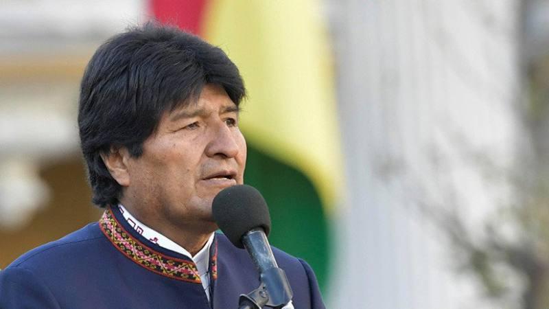 El seguro universal de salud está financiado con recursos del Tesoro General de la Nación de Bolivia.
