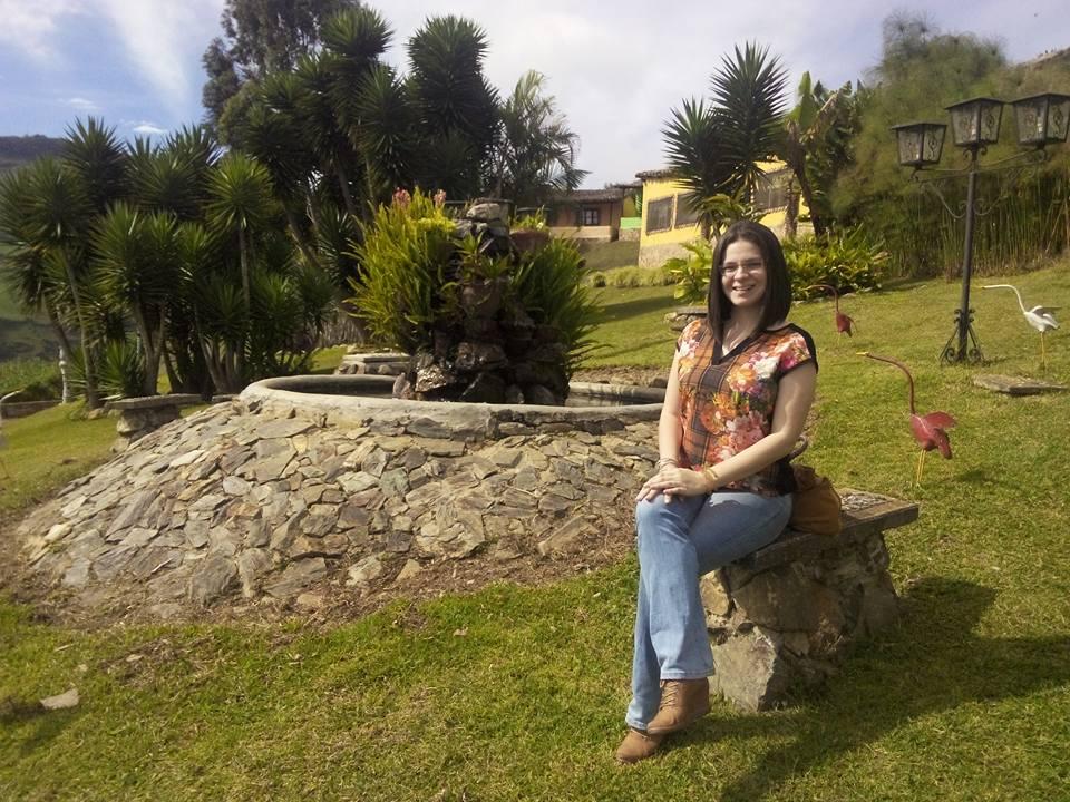 Ariana Briceño Rojas, licenciada en Periodismo con mención en Periodismo Económico por la Universidad de los Andes.