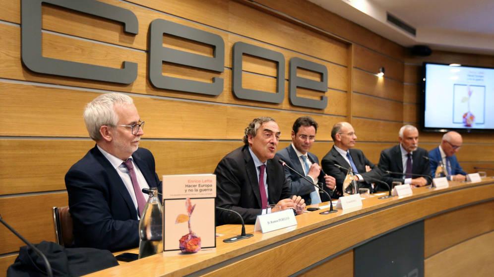 La CEOE explica que el empleo seguirá aumentado a un ritmo notable en España.