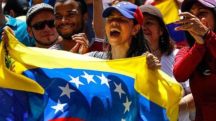 Los venezolanos no podrán tener antecedentes penales para solicitar la visa humanitaria en España.