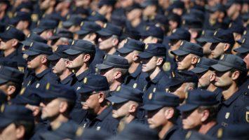 Los aspirantes al Cuerpo Nacional de Policía gastan una media de unos 3.500 euros.