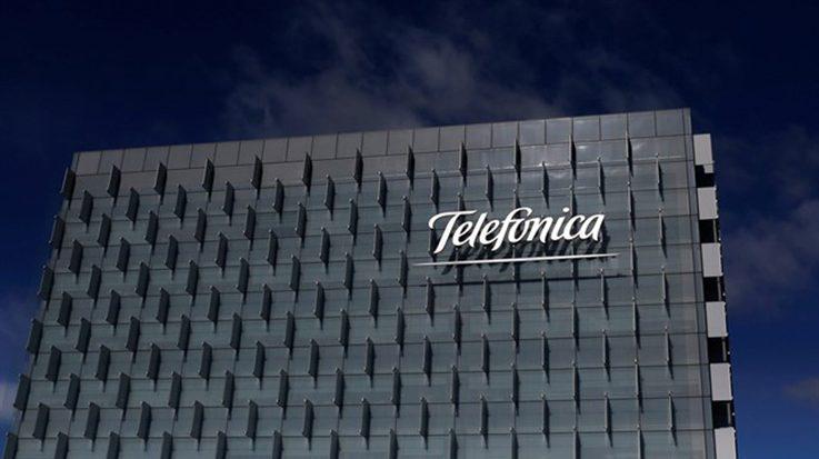 Telefónica Brasil estudia la posible absorción de su filial Telefónica Data para simplificar su estructura empresarial.