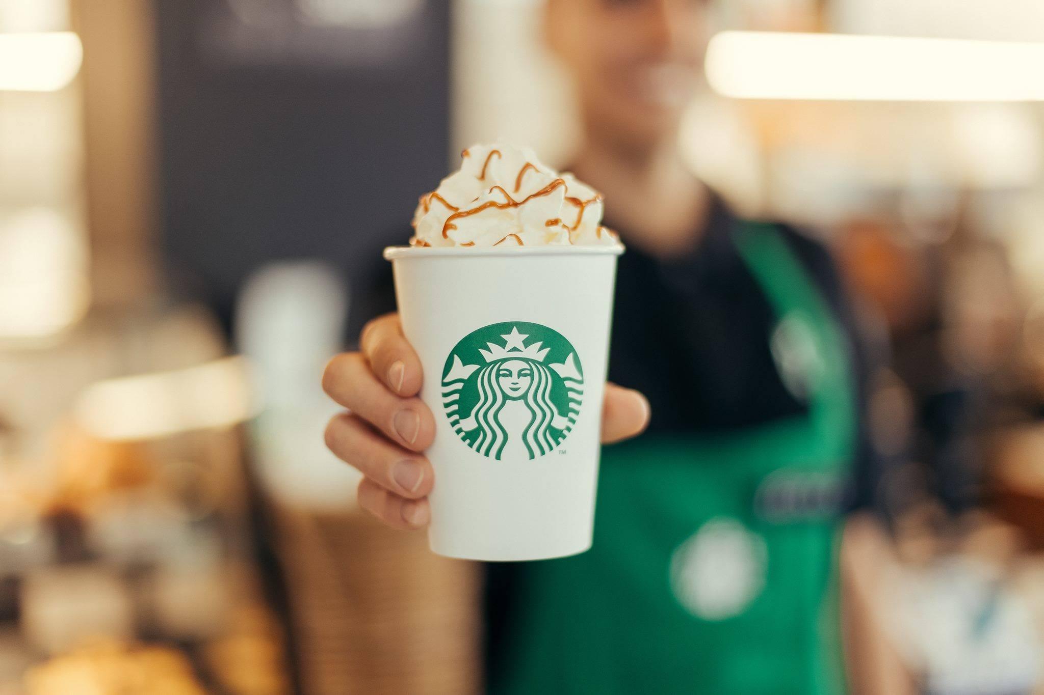 Los investigadores descubrieron que no solo un Starbucks incrementa el valor de la vivienda, sino también las lavanderías, barberos, floristerías y vinoteras.