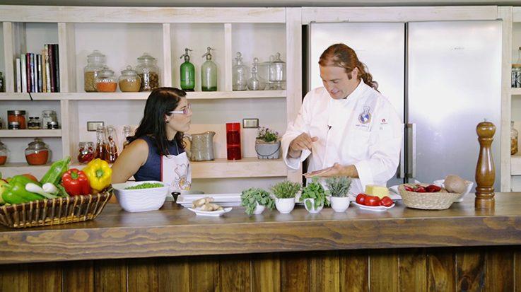 La hostelería seduce hasta los médicos, quienes dejan las batas blancas para entrar al mundo de la gastronomía.