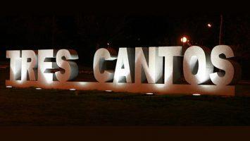 El primer vecino que vino a residir en la nueva ciudad de Tres Cantos fue Francisco Ramírez en agosto de 1982.