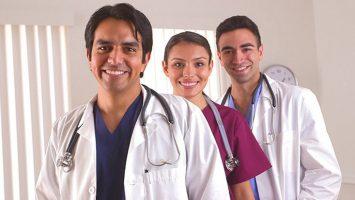 Un estudio revela que cada vez son menos los médicos extracomunitarios que presentan el examen del MIR.
