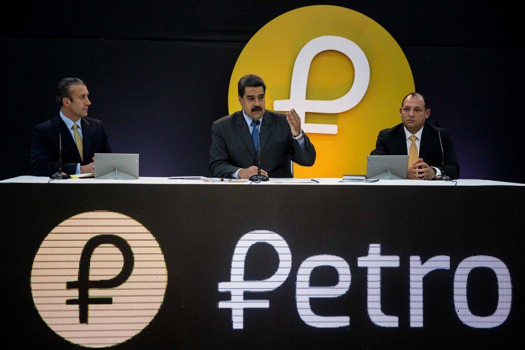 El presidente Nicolás Maduro indica que la medida de pagar con criptomonedas se aplicará de manera inmediata.
