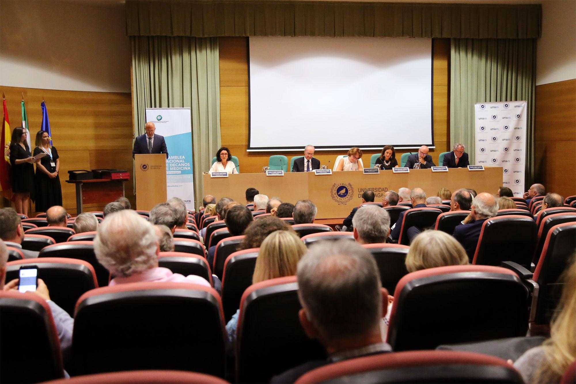 La 30 Asamblea General de la CNDFME revisa los aspectos más relevantes que rodean el desarrollo de los estudios y la profesión médica.