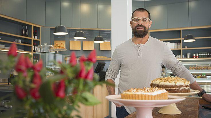Andrés Kerese, propietario de la pastelería Evelia.