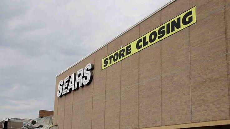 Sears en quiebra por el auge del comercio electrónico.