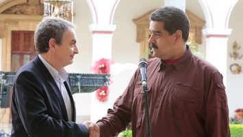 José Luis Rodríguez Zapatero es acusado de ejercer como representante de empresarios españoles para explotar la Faja Petrolífera del Orinoco.