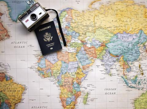 Chile tiene el pasaporte más valioso de América Latina, siendo aceptado en 174 países.
