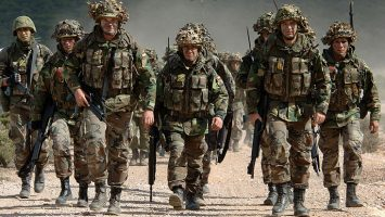 Foto A: El Ministerio de Defensa ha cambiado la regulación de altura para todas las escalas y cuerpos de las Fuerzas Armadas.