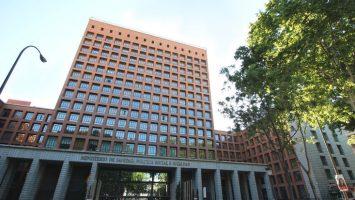 El Ministerio de Sanidad anuncia dos contrataciones con relación a la formación sanitaria.