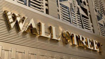 El Wall Street y la bolsa de Sao Paulo han comenzado sus cotizaciones a la alza en las empresas brasileras tras la victoria de Bolsonaro.