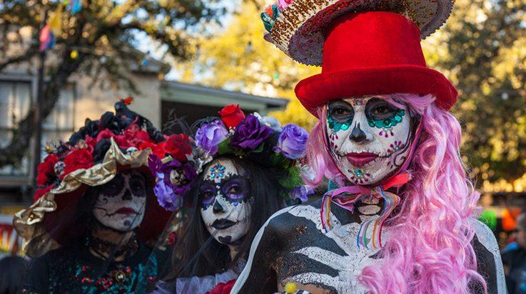 El Día de los Muertos dejará ingresos de más de 208 millones de dólares en México.