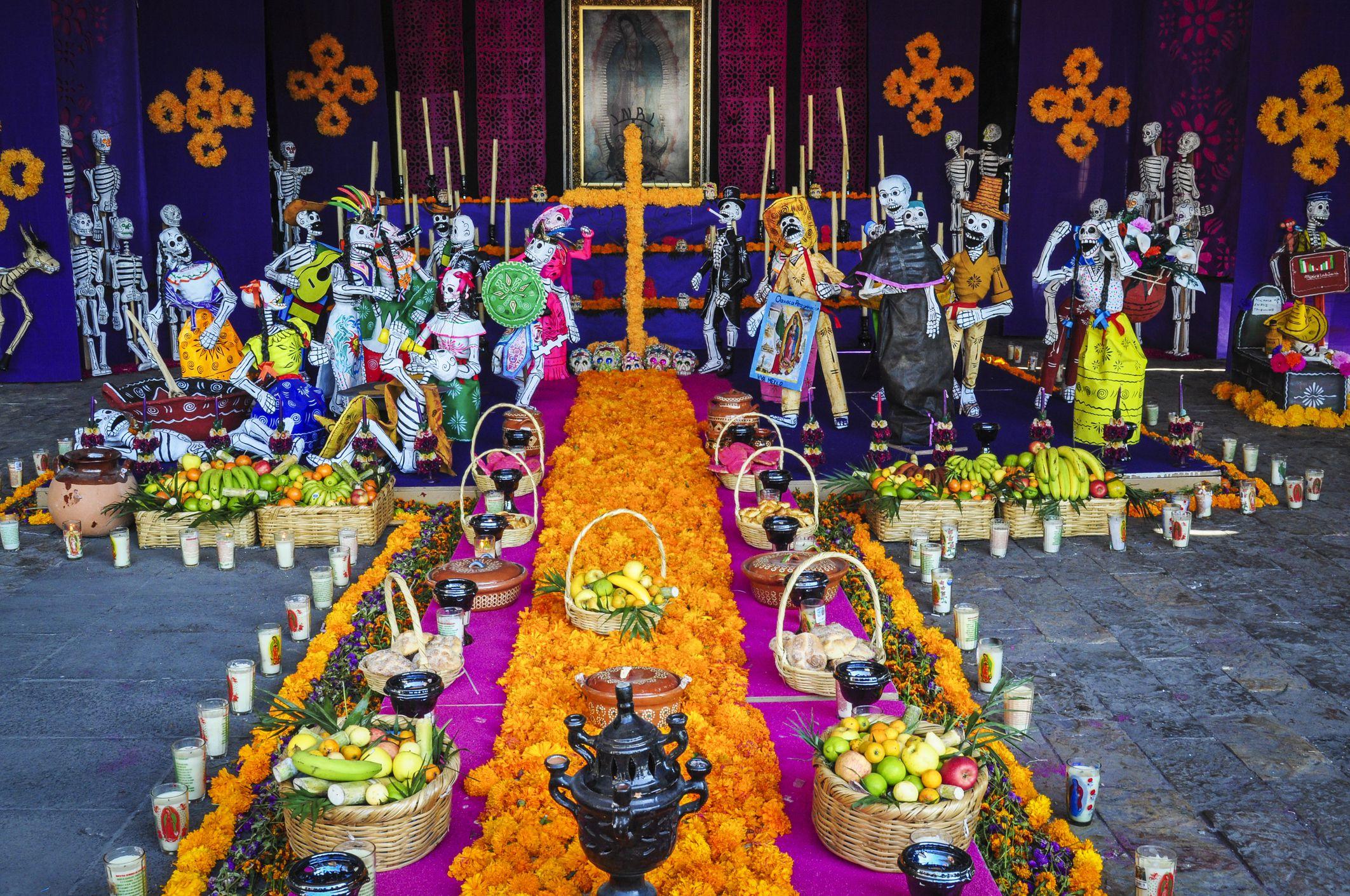 El Día de los Muertos tiene especial importancia para el sector turística y hostelero de Aguascalientes, Guanajuato, Michoacán, Oaxaca, San Luis Potosí y Ciudad de México.