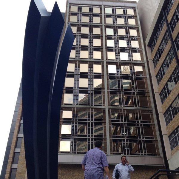 El Ministerio de Exteriores pide autorización al Ministerio de Hacienda para comprar un nuevo edificio para el consulado de España en Venezuela.