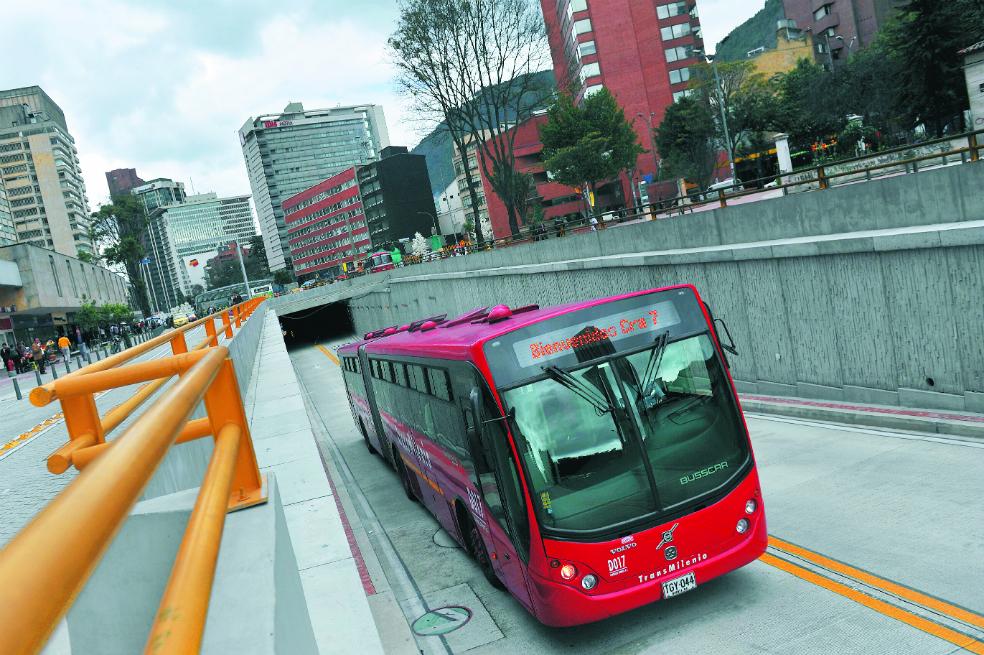 Con esta nueva flota de autobuses, Bogotá amplía la capacidad de su sistema BRT en aproximadamente un 30 por ciento.