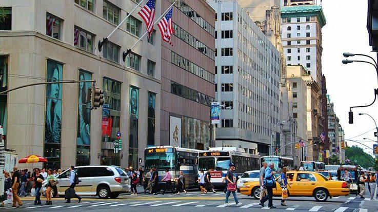 La famosa Quinta Avenida de Nueva York fue desplazada como la más cara por la calle Causeway Bay, en Hong Kong.