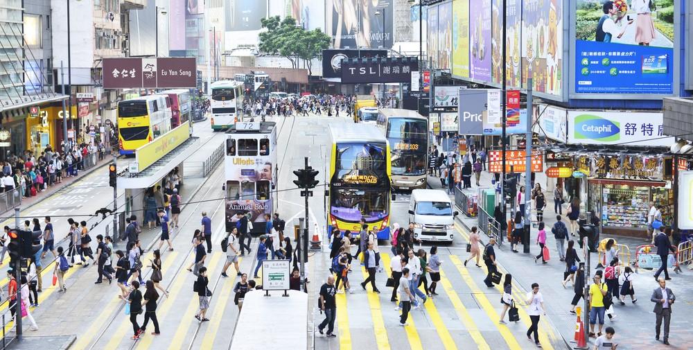 El pie cuadrado (0,09 metros) de los locales en la calle Causeway Bay tiene un precio de alquiler de 2.671 dólares.