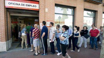 Un estudio de Adecco revela que los extranjeros son quienes mejor se han adaptado a las nuevas exigencias del mercado laboral español.