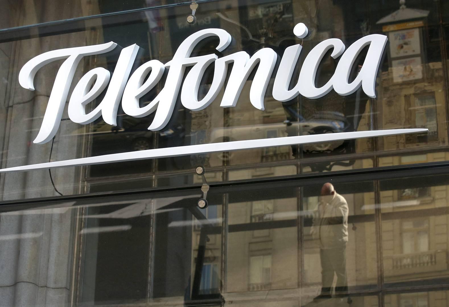 Accenture ayudará a introducir 'analytics' en todos los canales digitales y sus centros de atención al cliente de Telefónica.