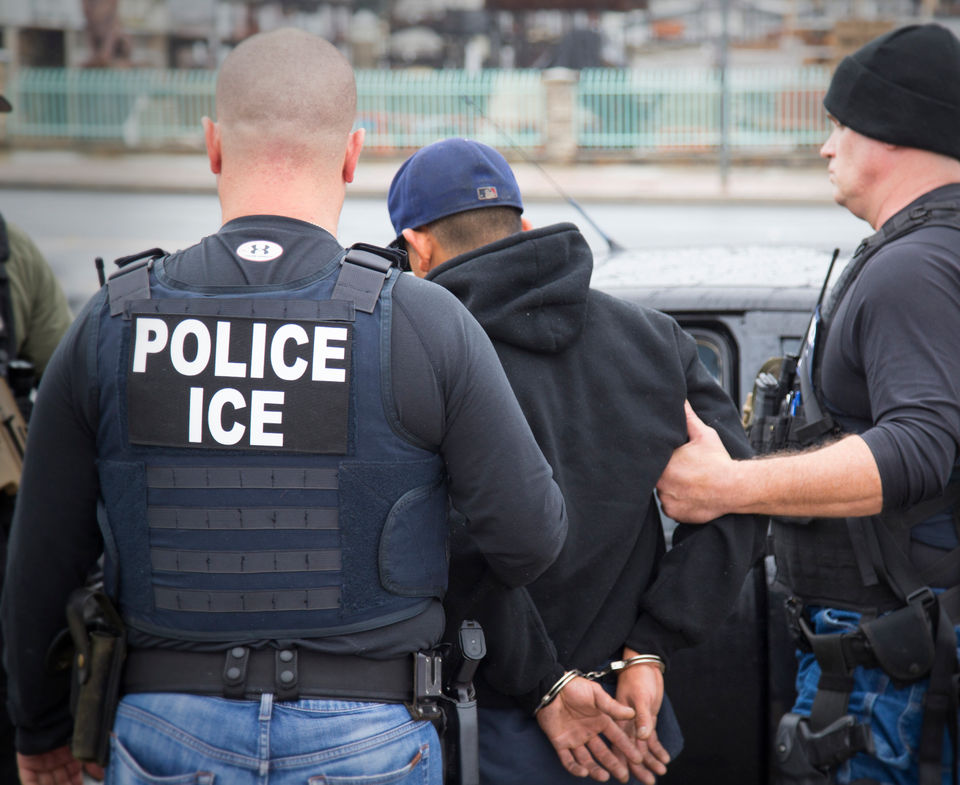 Agentes ICE