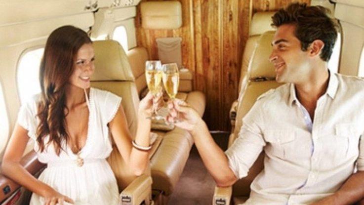 Millonarios en su avión