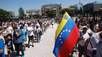 Venezolanos desbordan acogida española