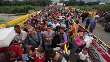 venezolanos entrando a Colombia