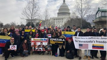 Los venezolanos piden un TPS