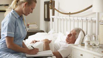 Benefactor ayuda a enfermos terminales