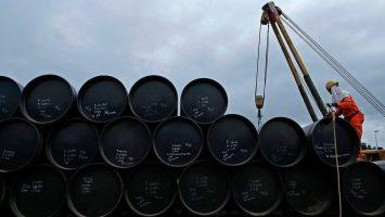 El barril de petróleo se desploma y está debajo de los 50 dólares