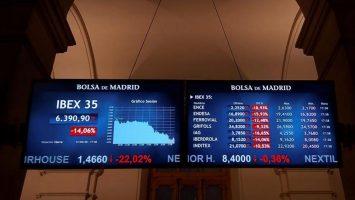 El Ibex 35 repunta 4,8% luego del peor día de su historia