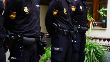 Policía Nacional detiene a tres hombres por el robo de 200.000 euros en joyas a una anciana