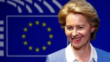 La Comisión Europea llama a crear un fondo de paro europeo
