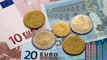 La Aedaf propone aplazar el fin de la Campaña de la Renta