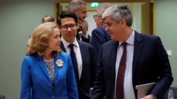 El Eurogrupo continúa sin ponerse de acuerdo, se reunirán mañana otra vez