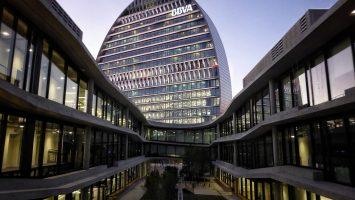 BBVA prevé una caída de hasta el 13% en la economía española