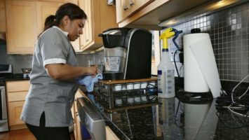Trabajadoras del hogar las más descuidadas de la economía