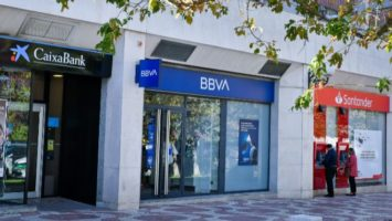 CaixaBank, Santander y BBVA,