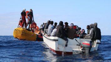 Ayudas a inmigrantes indocumentados